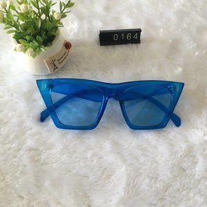 Blue Frame Sunnies Cat Eyes Lens Sunglass…